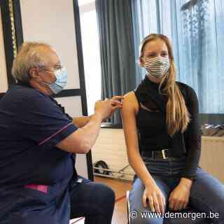 Stedelijke jongeren moeilijk te bereiken voor vaccinatie: 'Hoe groter de stad, hoe lastiger'