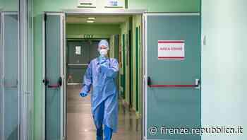 """Camaiore, infermiera """"minaccia"""" in un post i pazienti no vax: """"Sai bucare la solita vena facendo finta di ... - La Repubblica Firenze.it"""