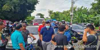 Habitantes de Jujutla exigen a presidente Bukele que cumpla con la promesa que les hizo de pavimentar una c... - La Prensa Grafica