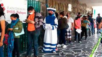 """Vestido de """"Chinelo"""" acude a vacunarse contra Covid-19 en Jiutepec - 24 Morelos"""