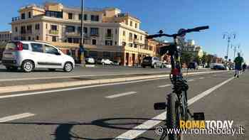 Ostia, parcheggi del lungomare cancellati: i commercianti si riuniscono contro i lavori della ciclabile a 5 Stelle