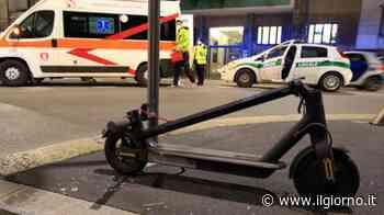 Milano, cade dal monopattino: grave una ragazza di 21 anni - IL GIORNO