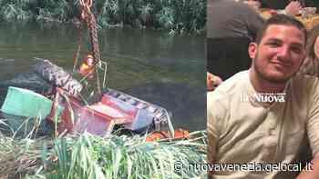 Trattore si ribalta in un canale d'irrigazione a Caorle, morto l'agricoltore - La Nuova Venezia
