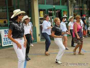 Musique et danse country au marché Carnot - Le Journal du Centre