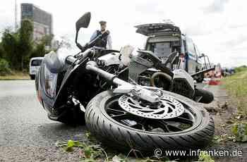 Üchtelhausen: Motorradfahrer (28) verletzt sich beim Zusammenstoß mit einem Traktor schwer