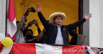 Renunció el jefe de Fuerzas Armadas de Perú antes de la asunción de Castillo - La Voz del Interior