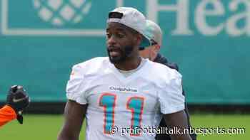 Dolphins put DeVante Parker, Elandon Roberts on PUP list