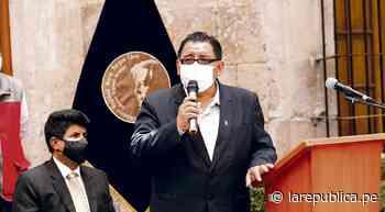 Acusan a gerente de Educación en Arequipa de pedir donaciones - La República Perú
