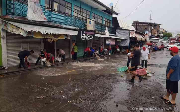 Se registran inundaciones en Nueva Italia por lluvia atípica - El Sol de Zamora