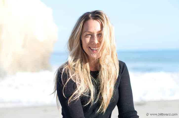 Colbie Caillat Signs With CAA