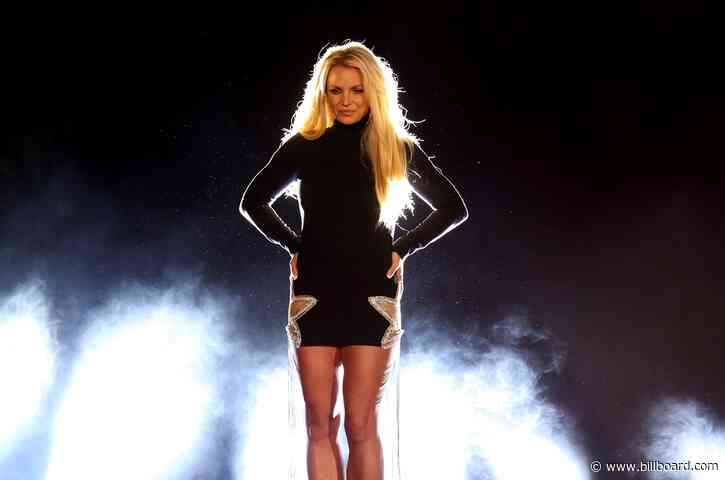 Britney Spears Gets Creative After 'Feeling Overwhelmed': 'There's a Lot of Change Going On'