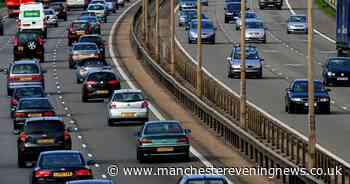 M60 traffic stopped after crash with delays