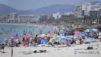 Corona: Regierung verschärft Reise-Regeln: Ferien-Schreck - BILD
