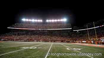 WATCH: First official look at Texas' finished football field, stadium upgrade - Longhorns Wire