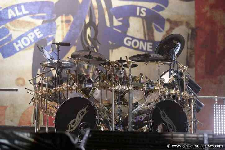 Slipknot's Founding Drummer Joey Jordison Has Died – Age 46