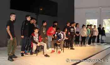 """Legnano: laboratori di teatro alla scuola Bonvesin de la Riva per """"riannodare i fili"""" - MALPENSA24 - malpensa24.it"""