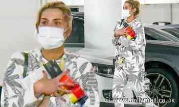 Cheyenne Tozzi picks up some lockdown supplies at her local Bunnings in Sydney