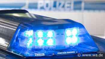 Hoher Sachschaden im Bank-Foyer in Bergkamen: Polizei sucht mit Fotos nach vier Tatverdächtigen - wa.de