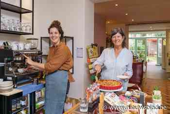 """Moeder en dochter openen koffiebar in hun speelgoedwinkel: """"Lunchen terwijl kinderen speelgoed testen"""" - Het Nieuwsblad"""
