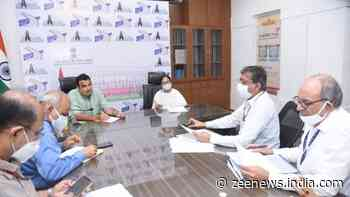 Mamata Banerjee calls on Union minister Nitin Gadkari in Delhi, reviews road projects in West Bengal
