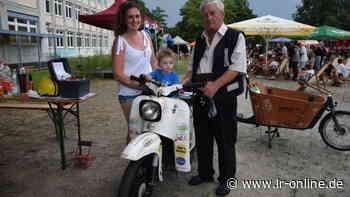 Ferienangebote Natz Hoyerswerda: Jugendliche können alte Mopeds zu E-Fahrzeugen umrüsten - Lausitzer Rundschau