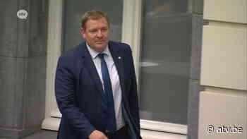 Burgemeester Schoten heeft huisarrest... na coronabesmettingen tienerkinderen - ATV