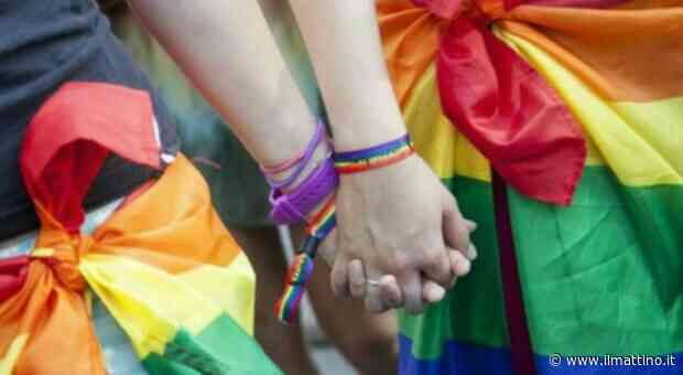 Napoli, Arcigay: «Ancora omofobia, ad Arzano schiaffi a due ragazze per un bacio» - Il Mattino.it - ilmattino.it