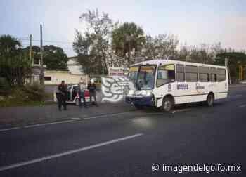 Se registra accidente entre dos unidades sobre carretera federal 140 Veracruz-Xalapa - Imagen del Golfo