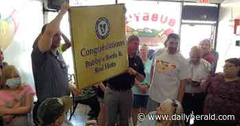 Vienna Beef inducts Elk Grove eatery into Hot Dog Hall of Fame