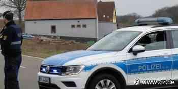 Zwei Tote in Weilerbach : Leichenfund in Gehöft: Polizei fahndet weiter nach Sohn - Cellesche Zeitung