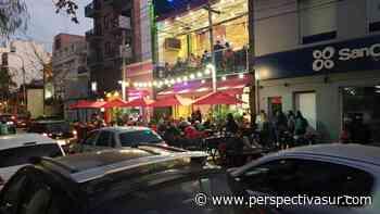 El centro de Quilmes festeja el Día del Amigo con mucha gente en las calles - Perspectiva Sur