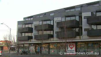 Coronavirus: Second Melbourne apartment complex named as high-risk exposure site - 9News