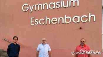 Gymnasium Eschenbach: Hubert Haberberger Ehrenvorsitzender des Fördervereins - Onetz.de