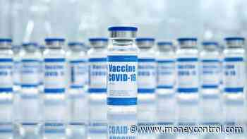 Failing to ensure wider access to COVID-19 vaccines could undermine global economy recovery: WTO report