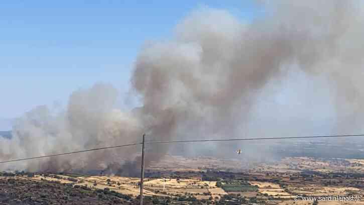 Nuova allerta incendi nell'Oristanese. Regole per gli aiuti a Santu Lussurgiu - Sardiniapost.it - SardiniaPost
