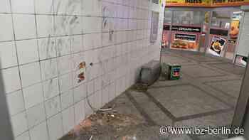 Diebe klauen kompletten Geldautomaten aus Kreuzberger U-Bahnhof - B.Z. Berlin
