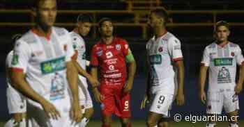 Alajuelense empató contra San Carlos y tuvo un percance con su nuevo bus - El Guardián CR