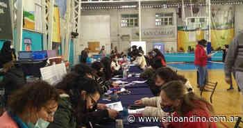 San Carlos continúa entregando becas estudiantiles - Sitio Andino