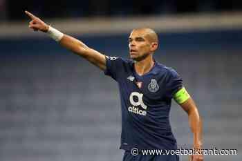 🎥 Pepe gaat weer zwaar over de schreef tijdens wedstrijd tegen het AS Roma van José Mourinho - Voetbalkrant.com