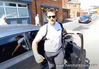 """""""Sort out your life,"""" Herefordshire police officer tells YouTube videographer"""