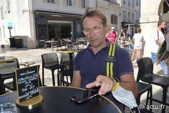 """La Rochelle : au bar """"Le Cadre"""" les tables rechargent gratuitement votre téléphone - Actu La Rochelle"""
