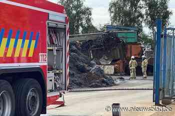 Brandje in grote hoop metaal snel geblust (Lier) - Het Nieuwsblad