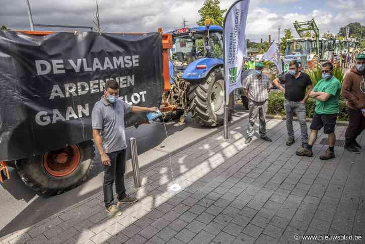 """Boeren voeren actie tegen te lage melkprijs: """"Wij houden er niets aan over, we willen eerlijke prijs"""""""