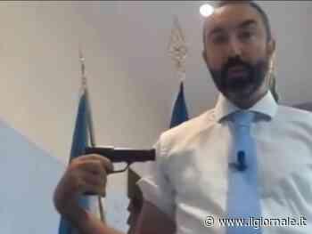 """Il delirio di Barillari. L'ex grillino """"spara"""" sui vaccini: """"Roulette russa"""""""