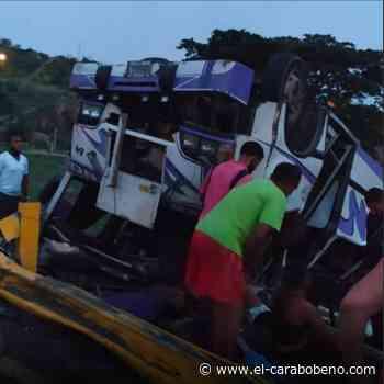 15 personas heridas en accidente de tránsito en la autopista de Charallave (Video) - El Carabobeño