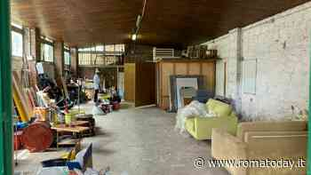 """""""Avvertiti all'ultimo, è una vergogna"""": la rabbia degli inquilini dei magazzini demoliti a Testaccio"""