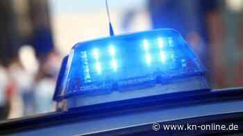 Toter Mann auf Bauernhof - Polizei-Hundertschaft durchsucht Anwesen