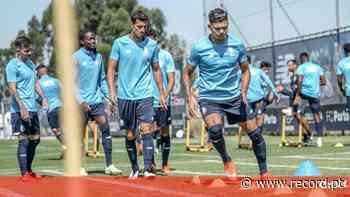 Uribe fez treino condicionado no regresso do FC Porto ao Olival - Record