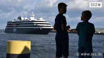 Wismar: Kreuzfahrtschiff macht früher als erwartet in Wismar fest | svz.de - svz – Schweriner Volkszeitung