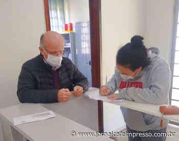 Desenvolvimento Social de Indaial inicia entrega de cartões do SC Mais Renda aos beneficiados com programa do Governo Estadual - Jornal Café Impresso